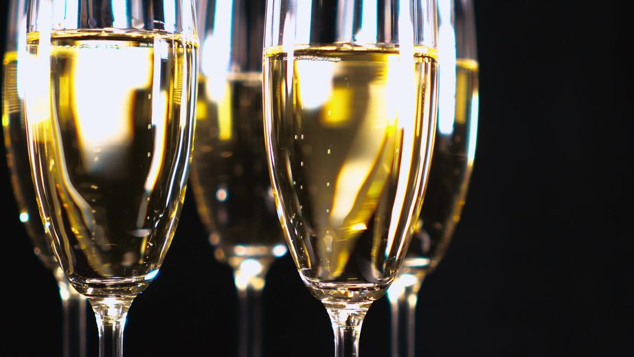 72739860 - glamourous champagne - glasses with sparkling wine